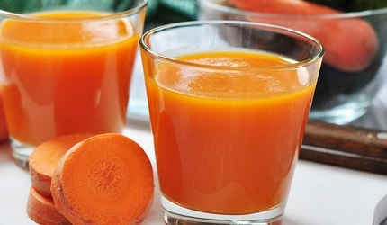 Mixed fruit and carrot smoothie