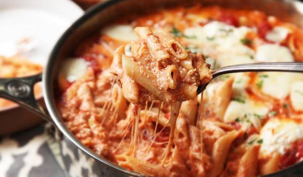 Easy Skillet Baked Ziti With Sausage and Ricotta