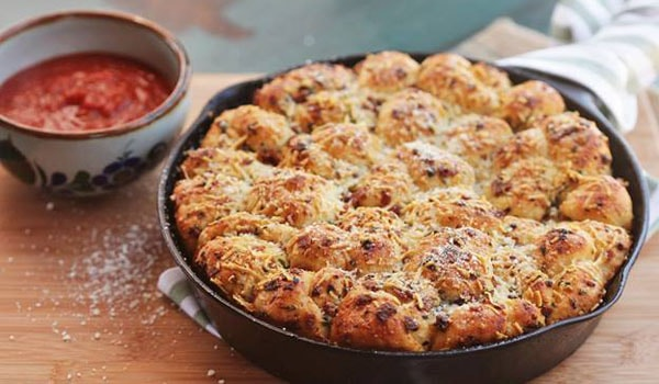 Easy Pull-Apart Pepperoni Garlic Knots